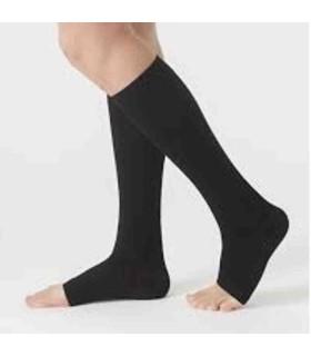 Chaussettes de contention Femme Soft classe 3 par Juzo - Coloris Noir en pieds ouverts