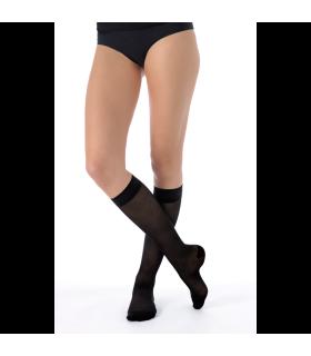 Chaussettes de contention de la gamme Divin Eclat de Sigvaris. Coloris Noir